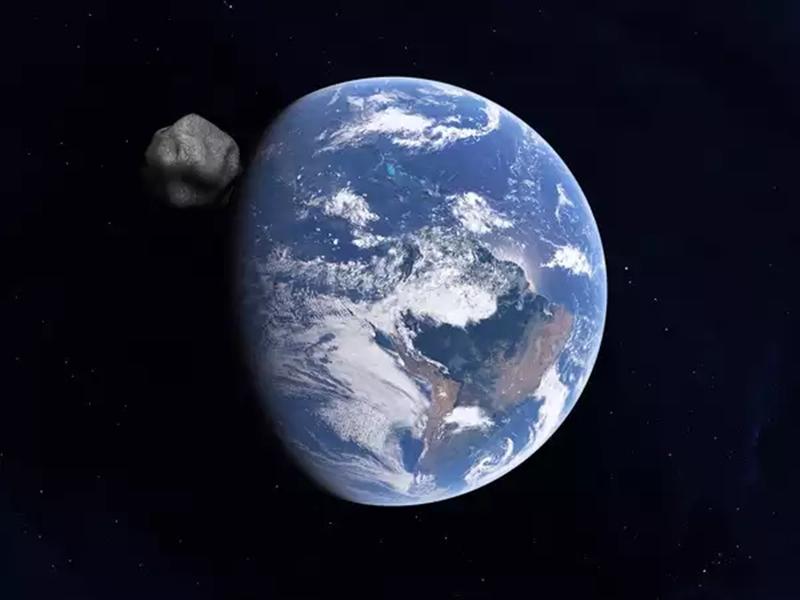 आज रात गुजरेगा छोटा धूमकेतु, जानिए धरती से टकराने की आशंका है या नहीं