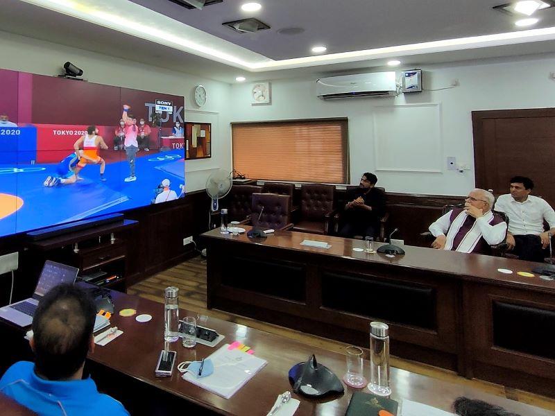 Haryana: हरियाणा सरकार ने ओलंपिक पदक विजेताओं के लिए करोड़ों के इनाम का किया ऐलान
