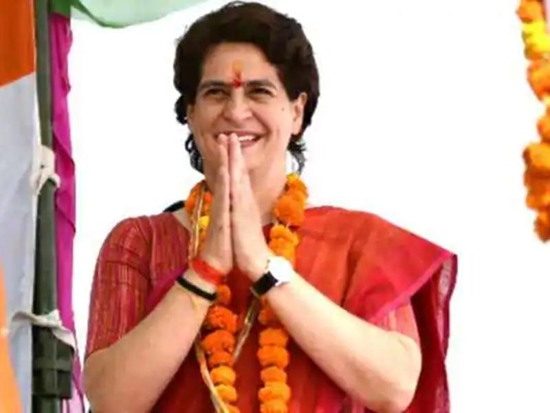 प्रियंका ने प्रदर्शनकारी कांग्रेस सांसदों के लिए भिजवाया पनीर, राजमा-चावल, गाजर हलवा