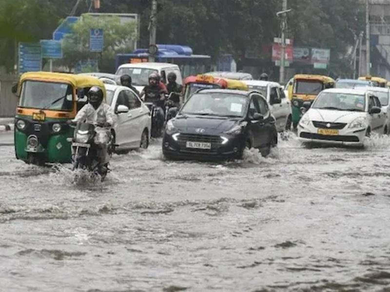 Weather LIVE Updates: Delhi-NCR में यलो अलर्ट, उत्तराखंड में भारी बारिश, बद्रीनाथ यात्रा रोकी