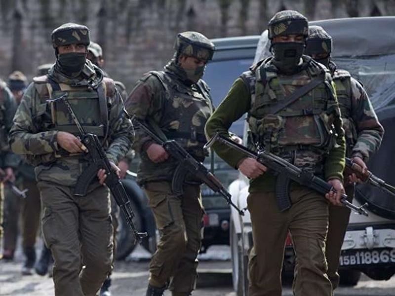 कुलगाम और शोपियां मुठभेड़ में सुरक्षा बलों ने लिया बदला, लश्कर जिला कमांडर गुलजार सहित 4 आतंकी ढेर