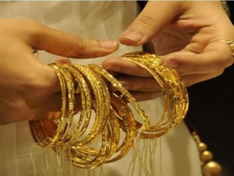 Gold Price Today: अब तक 7000 रुपए गिरे सोने का दाम, चांदी भी टूटी, जानिए आज के भाव