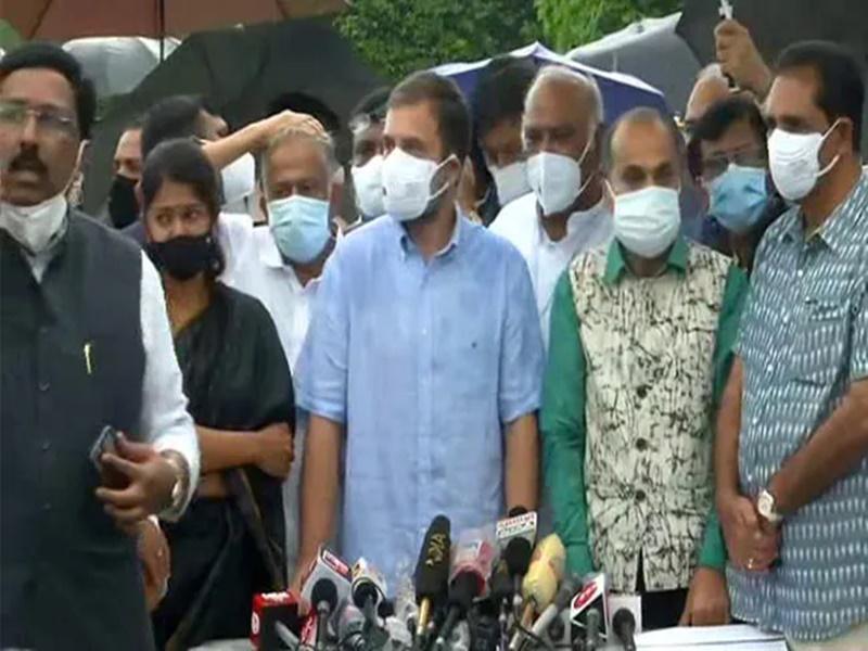 Monsoon Session LIVE: राहुल गांधी बोले, सरकार नहीं चलने दे रही संसद, महंगाई, किसान और पेगासस पर करना