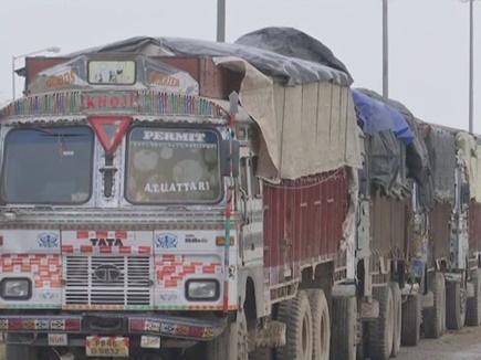 Pulwama News: वाघा बॉर्डर पर फंसे पाक कारोबारियों के 150 से ज्यादा ट्रक, करोड़ों का भुगतान अटका