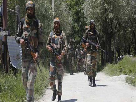 स्वतंत्रता दिवस के मद्देनजर कश्मीर में बड़ी वारदात की आशंका, अलर्ट