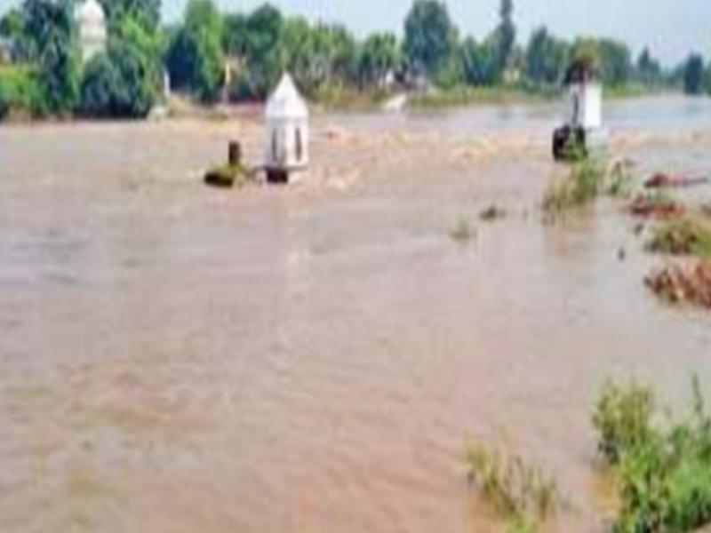 Madhya Pradesh Weather Update : बारना नदी का पुल डूबा, जयपुर-जबलपुर नेशनल हाईवे रहा बंद