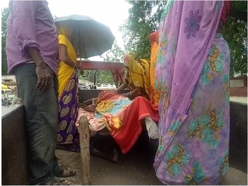 Barwani Son Murdered Father : बहू से ससुर ने खाना मांगा तो बेटे ने पीट-पीटकर कर दी हत्या