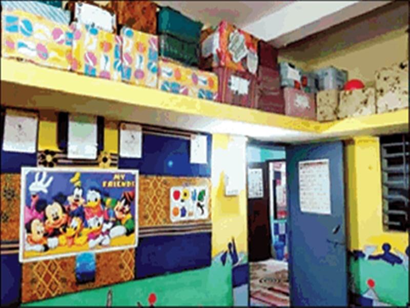 Best From The Waste : रंगरोगन के पैसे नहीं थे तो पुरानी दरी से 'रंग-बिरंगा' बना दिया स्कूल