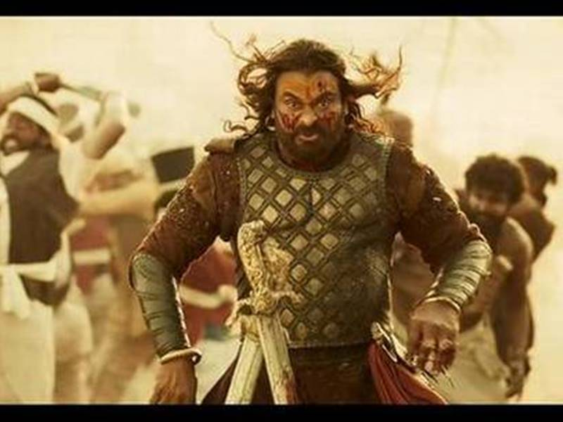 Sye Raa Narasimha Reddy Movie Review: लंबी है लेकिन इतनी अच्छी है कि बोर नहीं होने देती
