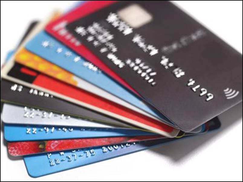 Credit Card Loan: क्रेडिट कार्ड से लोन लेने जा रहे हैं, तो जरूर ध्यान रखें ये बातें