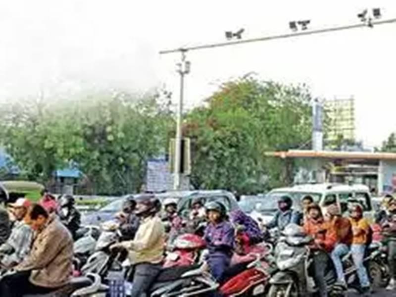 अहमदाबाद: 90 हजार लोगों ने नहीं भरे ट्रैफिक नियम तोड़ने पर जारी हुए ई-मेमो के 45 करोड़