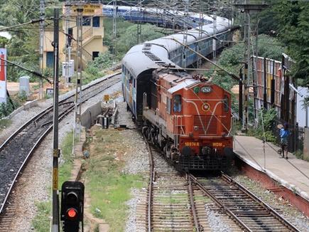 रेलवे 2500 टीटीई की करेगा भर्ती, अन्य महिला रेलकर्मी भी जांच सकेंगी टिकट