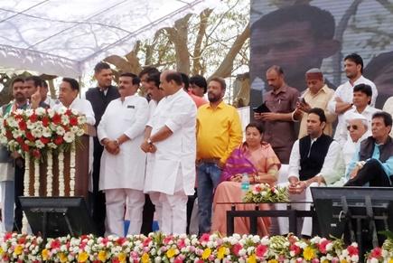 Video: इंदौर की डेढ़ सौ से अधिक अवैध कॉलोनियों हुईं वैध, सीएम कमलनाथ की बड़ी घोषणा