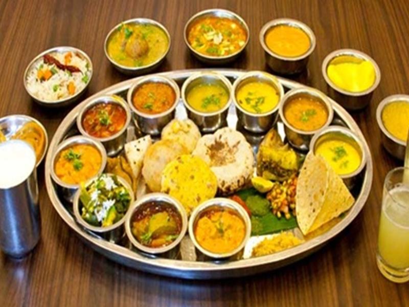 Gwalior News : जज के सम्मान में रखा भोज, जूनियरों से मांगे 200 रुपए, तो  छिड़ा सोशल मीडिया पर वाॅर