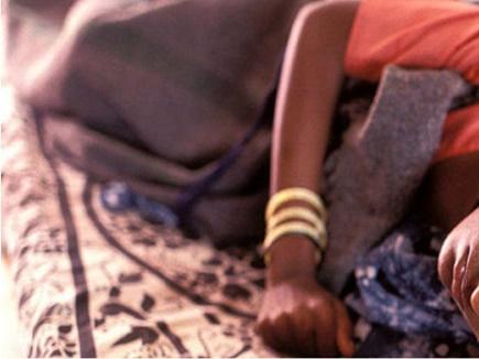 लापरवाही: नसबंदी के लिए 9 घंटे बैठी रहीं 120 महिलाएं