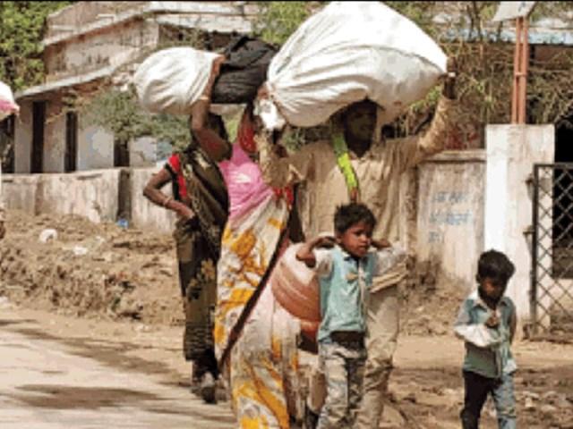 Bhagoriya Festival : फागुन लगते ही घर लौटने लगे पलायन करने वाले आदिवासी