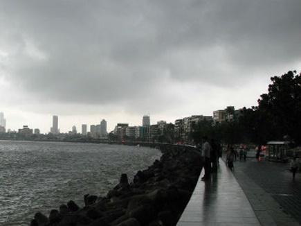 मुंबई में अगले दो दिन भारी बारिश की संभावना, अलर्ट जारी