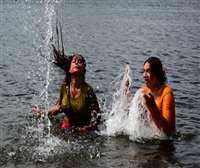 Photo Gallery : जबलपुर में नर्मदा में गंगा दशहरा का स्नान और भोपाल में उमड़ी भीड़