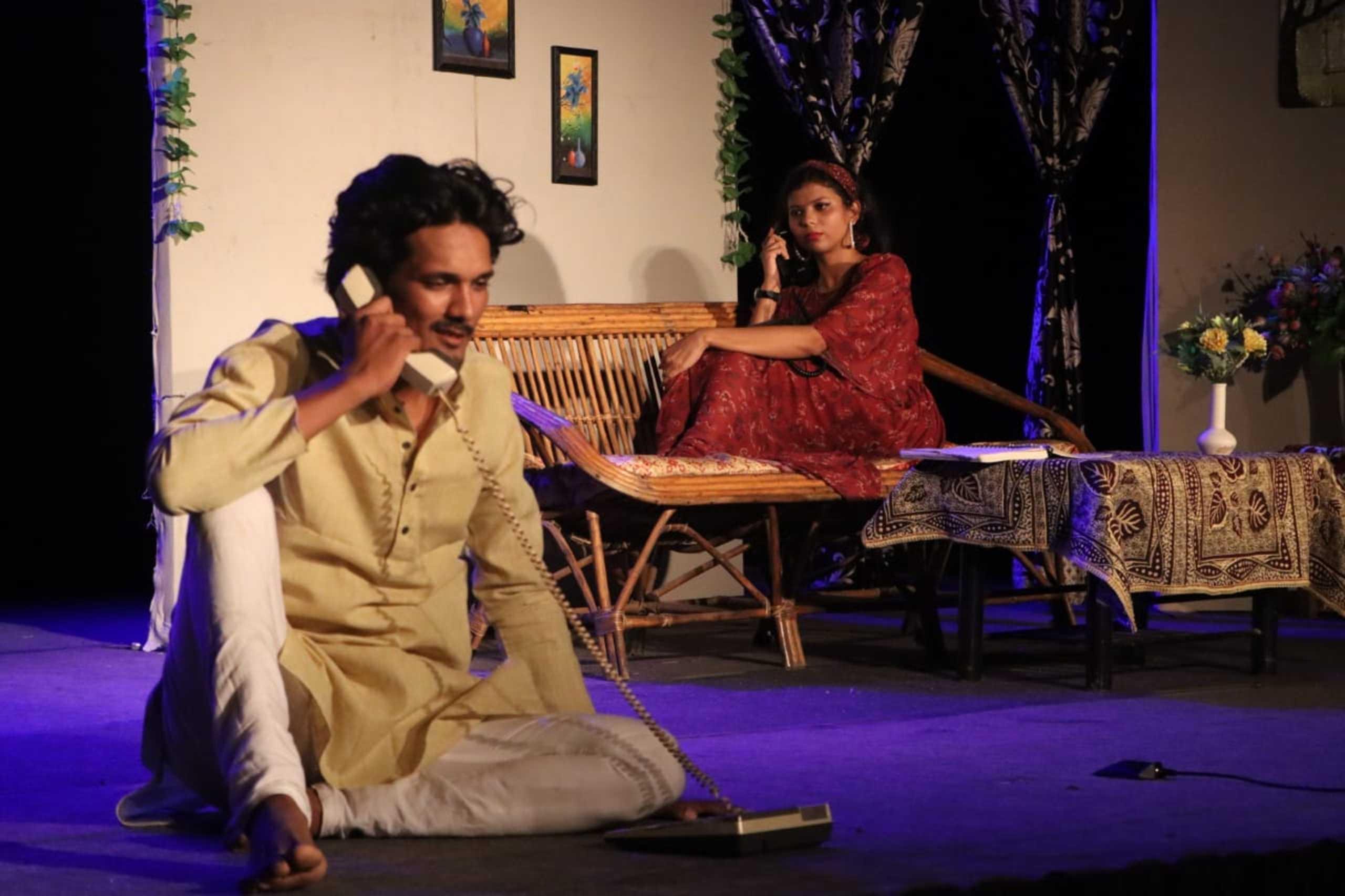 Anwarat Theater Group Indore: उम्मीदों की किरण जगाए दुखांत से खत्म हुई बादशाहत