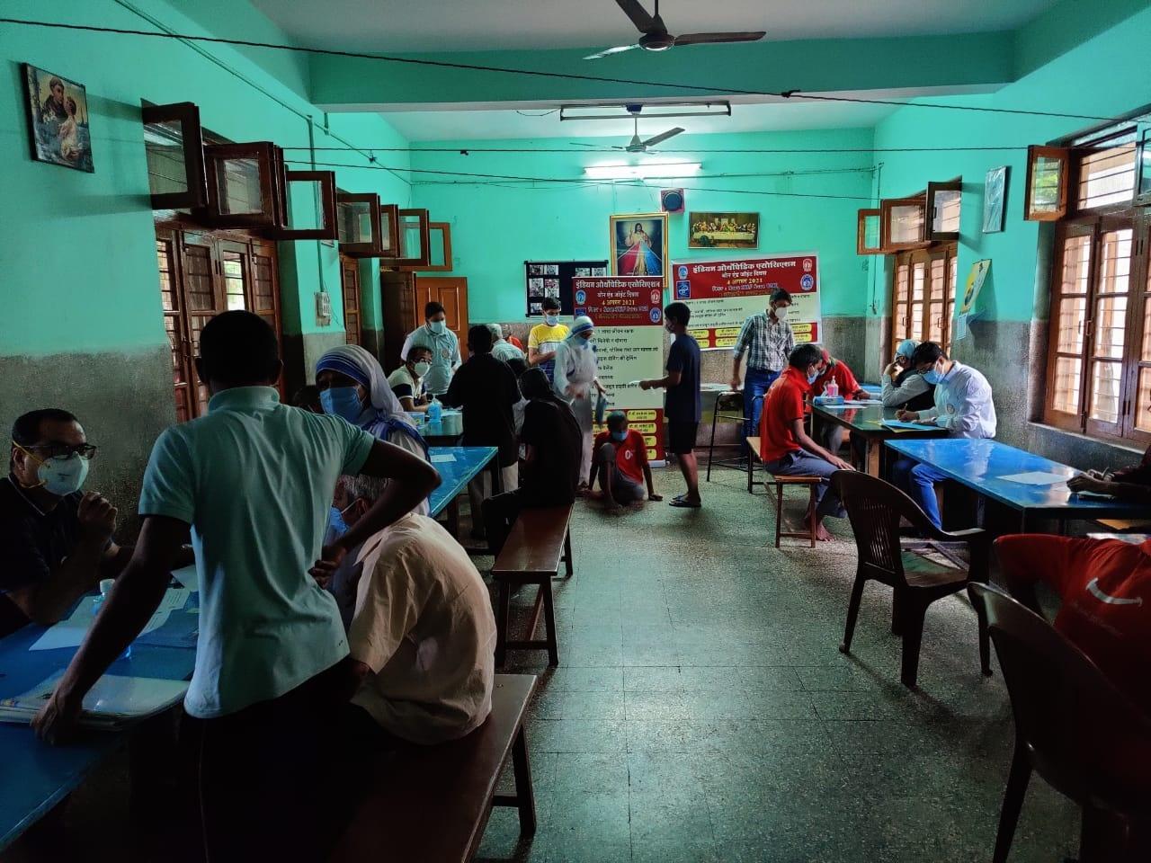 Indian Orthopedic Association: ऑर्थोपेडिक एसोसिएशन ने वृध्दाश्रमों में किया बुजुर्गों का स्वास्थ्य परीक्षण