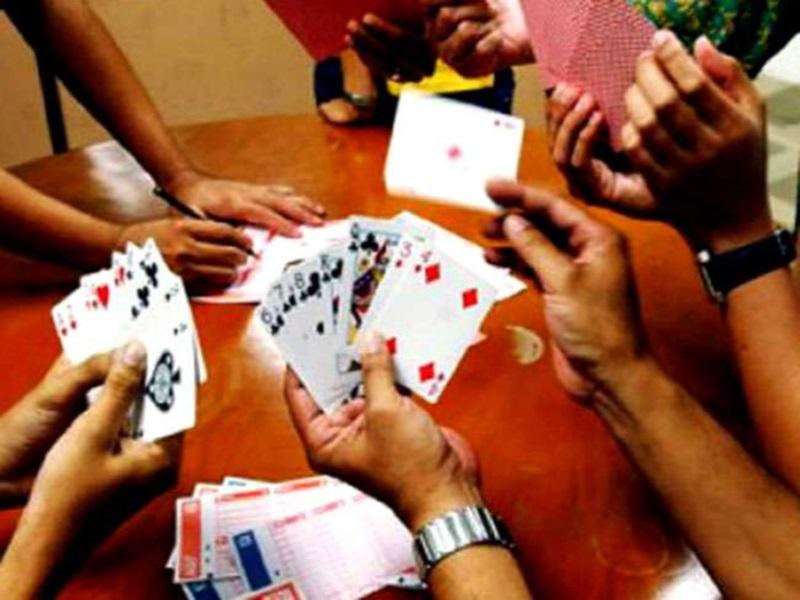 Bhopal Crime News: दुकान की छत पर जुआ खेलते पकड़ाए एएसआइ समेत चार पुलिसकर्मी