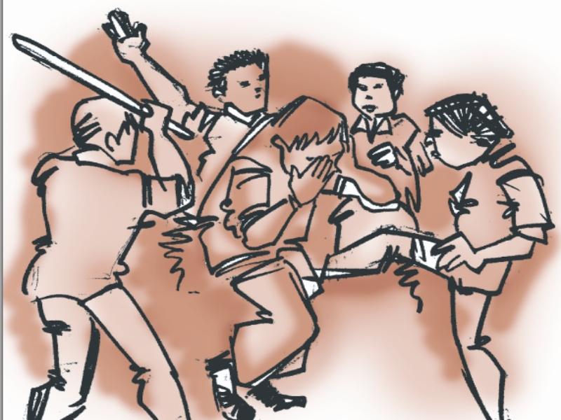 Gwalior Crime News: महंत और उनके शिष्य काे लाठियाें से पीटा, रस्सी से बांधकर छाेड़ गए, 70 हजार व माेबाइल लूटा