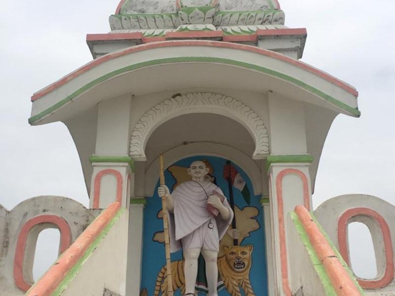 Gandhi Jayanti Special: गांधीजी से प्रेरित होकर MP के इस गांव में सैकड़ों लोगों ने छोड़ दी शराब