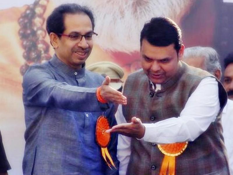 Maharashtra Government : देवेंद्र फड़नवीस महाराष्ट्र के नेता प्रतिपक्ष बने, CM उद्धव ठाकरे ने बधाई देते हुए तंज कसा