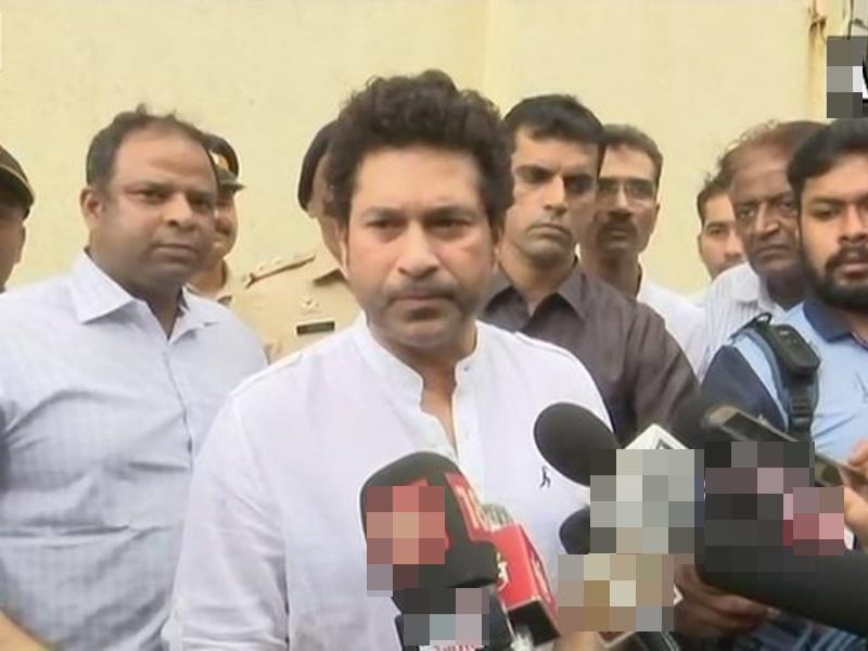 Sachin Tendulkar को अस्पताल से मिली छुट्टी, कोरोना रिपोर्ट निगेटिव आने तक घर में रहेंगे क्वारंटाइन