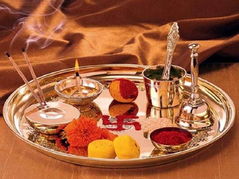 Guru Purnima 2020: गुरु पूर्णिमा पर ऐसे करें पूजा, जानिए गुरु मंत्र