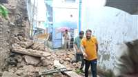 श्योपुरः बारिश के बीच गणेश गली में गिर गया मकान, गुलाब बाड़ी को कराया खाली