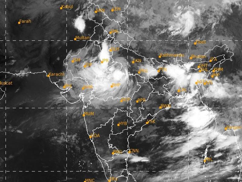 Weather Updates 2 August: राजस्थान व मध्यप्रदेश में रेड अलर्ट, दिल्ली समेत इन राज्यों में बारिश के आसर