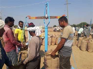 पहले दिन तीन हजार किसानों ने बेचा 61 हजार क्विंटल धान