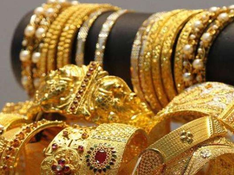 Gold Price: सोना खरीदने जा रहे हैं तो कर लें जल्दी, दो दिन में इतने ज्यादा गिर गए हैं दाम