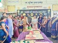 रायपुर और बालोद के शिक्षकों ने देखा हनोदा का लैब