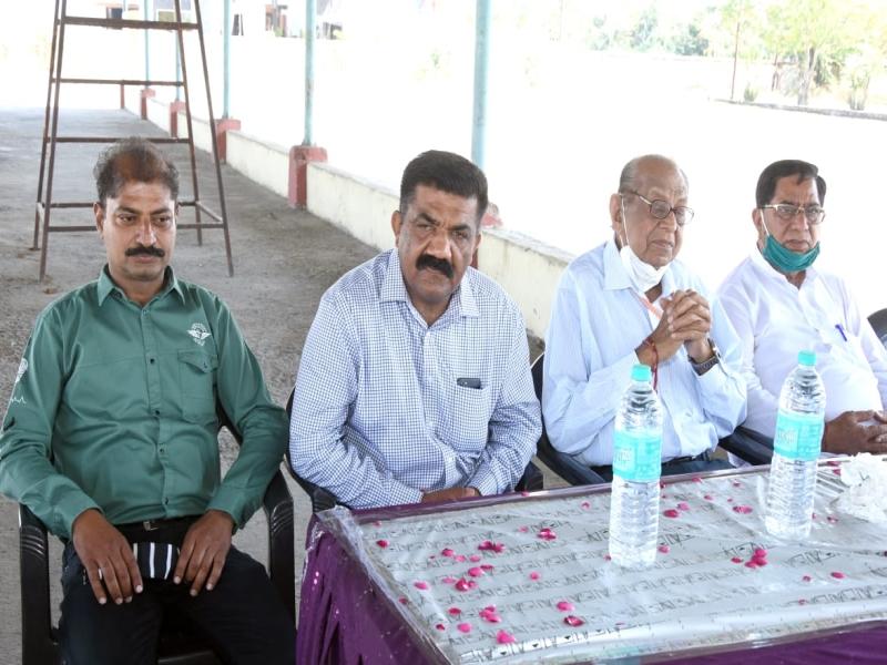 Bhopal News: पंडित दीनदयाल कृषि उपज मंडी में अनाज की नीलामी में भाग लेंगे व्यापारी, बैठक में समस्याओं पर हुई चर्चा