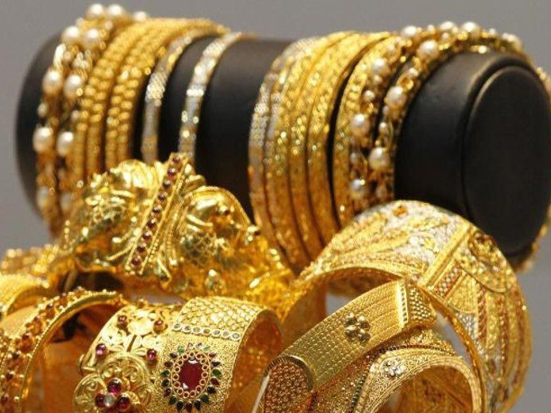 गुरुवार को 10 ग्राम सोने की कीमत में 483 रुपए की बढ़त, पर आठ महीने में 11,600 रुपए गिर चुका है भाव