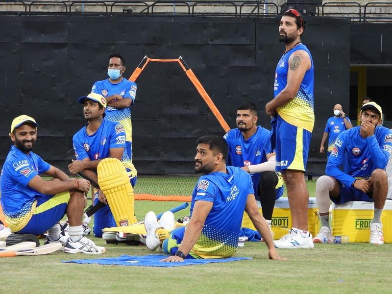 IPL 2021: क्रिकेट पर कोरोना का साया, CSK के दो मेंबर पॉजिटिव, टीम का ट्रेनिंग सेशन रद्द