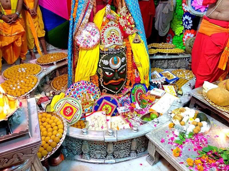 Mahakaleshwar Temple Ujjain : उज्जैन में सबसे पहले बाबा महाकाल को बंधी राखी, देखें वीडियो
