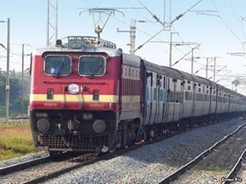 जबलपुर में रेलवे ने खाली रैक की सफाई से बचे कोयला डस्ट को 13 लाख में बेचा