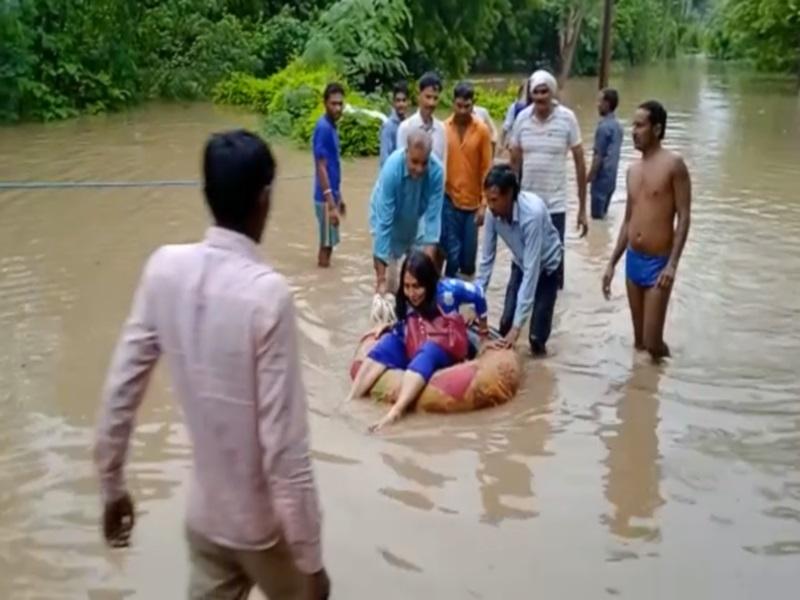 Heavy Rain in Shivpuri: नरवर के एरावन गांव में बाढ में 12 लोग बहे, मणिखेड़ा डेम के आठ गेट खुले, बाेट के सहारे रेसक्यू आपरेशन जारी, सीएम करेंगे हवाई दाैरा
