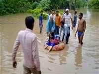 Heavy Rain in Shivpuri: खराब माैसम के कारण हेलीकॉप्टर हुए फेल, मणिखेड़ा डेम के आठ गेट खुले, बाेट के सहारे रेसक्यू आपरेशन जारी, सीएम करेंगे हवाई दाैरा