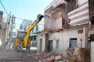 हिस्ट्रीशीटर बबला के दूसरे मकान को भी किया जमींदोज