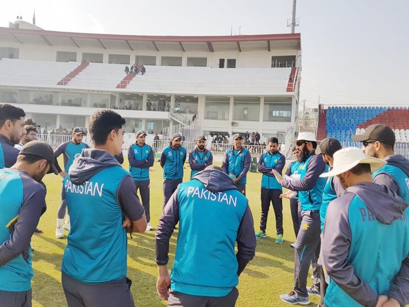Pakistan Cricket: पहले मिठाई-बिरयानी छुड़वाई, अब फिटनेस के लिए पैसे काटने का फरमान