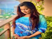 मां बनने वाली है श्रेया घोषाल, बेबी बम्प के साथ तस्वीर की शेयर, बच्चे का नाम पहले ही बताया