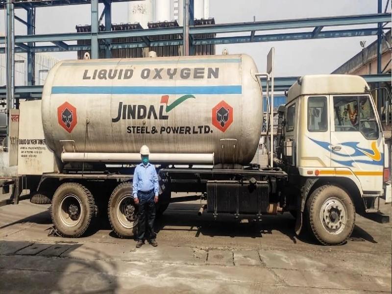 कोरोना के खिलाफ जंग में आगे आया JSPL, हर दिन दे रहा 100 टन ऑक्सीजन