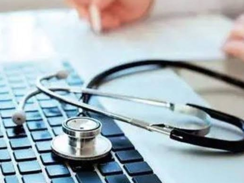 Recruitment Of Doctors In Chhattisgarh: छत्तीसगढ़ में कोरोना के मोर्चे पर तैनात हैं एमबीबीएस उत्तीर्ण डाक्टर