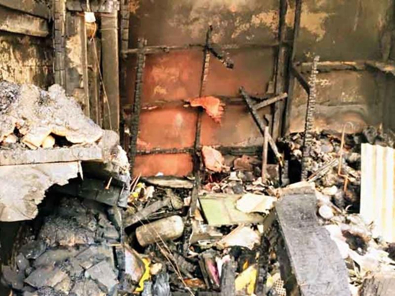 West Bengal: ममता बनर्जी ने बुलाई अधिकारियों की बैठक, बीजेपी ने सुप्रीम कोर्ट का दरवाजा खटखटाया