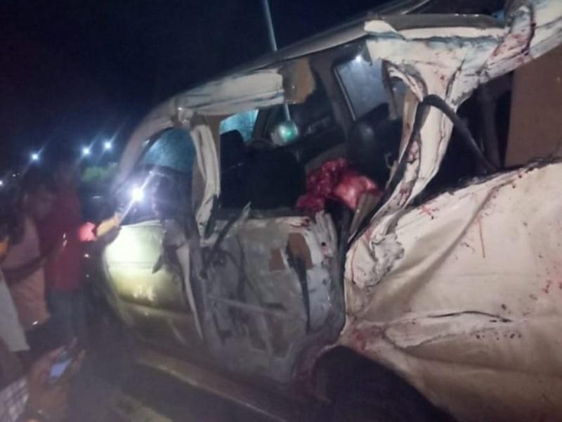 Sagar Accident News: कार-ट्रक की भिड़ंत में रहली के तीन युवकों की मौत, छह घायल