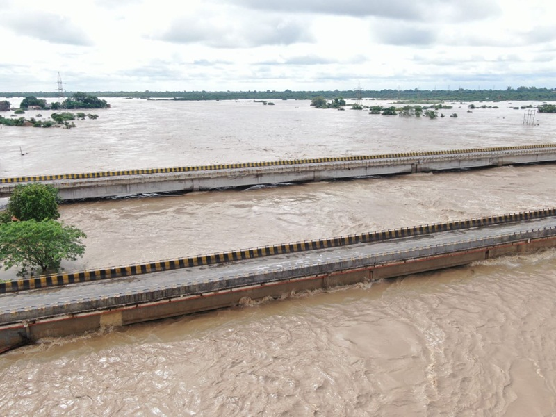 Gwalior Flood Side Effect News: अब ग्वालियर आने जाने में भी परेशानी, बना रहे हैंं यात्रा का प्लान तो  आपके मतलब की हो सकती है यह खबर